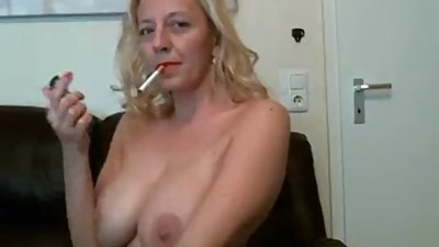 Smoking babe tunderose masturbating on..