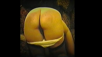 Spankybum wife kneeling and getting..