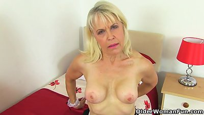 Cleaning gilf Lady Sextasy goes on a..
