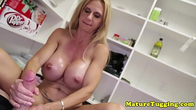 Bigtitted stepmom giving doublehanded..